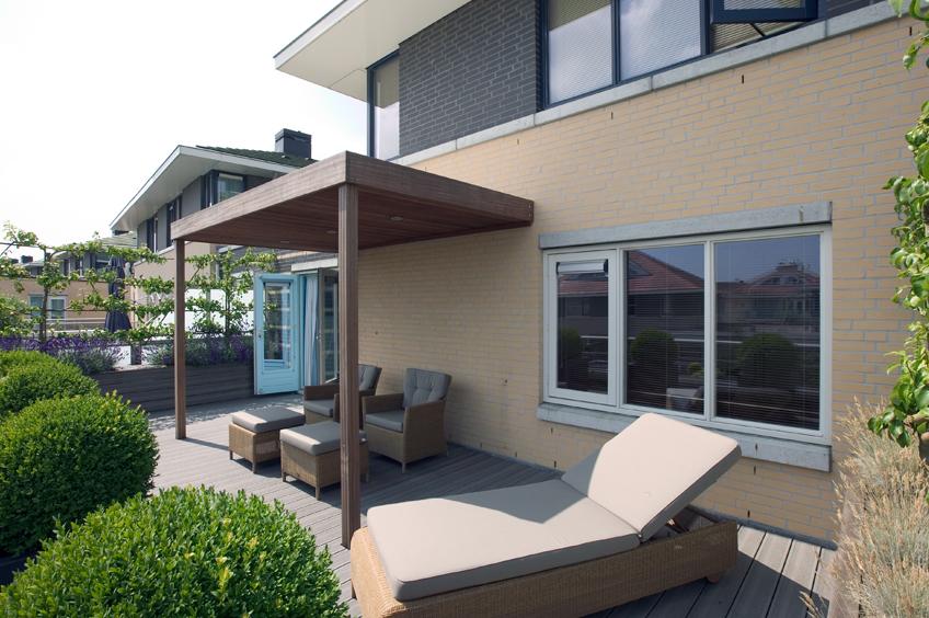 Klein dakterras kleurrijken modern lounge dakterras rotterdam tuinontwerp praktische - Veranda modern huis ...