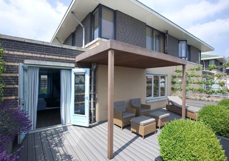 Overkapping Kleine Tuin : Hout beton schutting overkapping kleine tuin